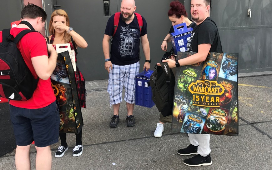 Gamescom SWAG fans photo by Try Evidence